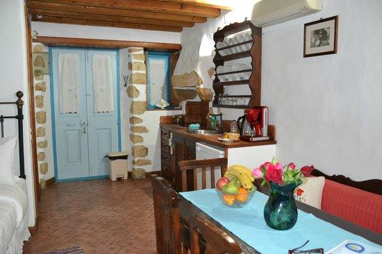 Eirini Luxury Hotel Villas: La cuisine