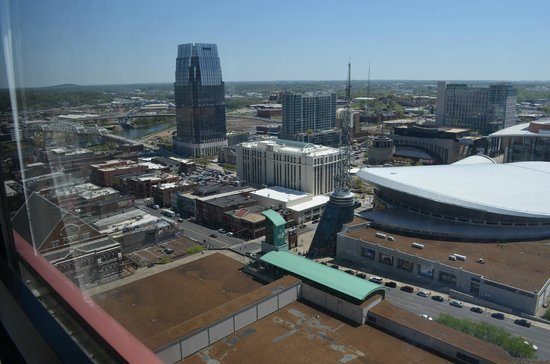 Renaissance Nashville Hotel: The view from our room on the 19th floor
