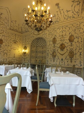 Sina Villa Matilde: one of the breakfastrooms