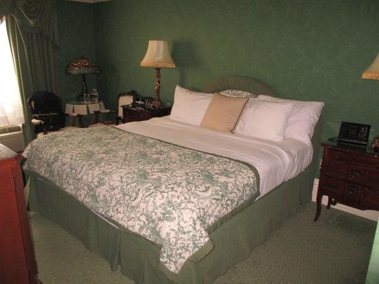 Prince of Wales: Comfortable King Bed