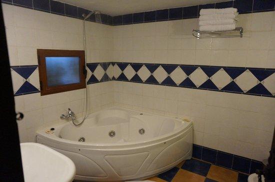 Hotel Paraiso de Bujaraiza: Baño
