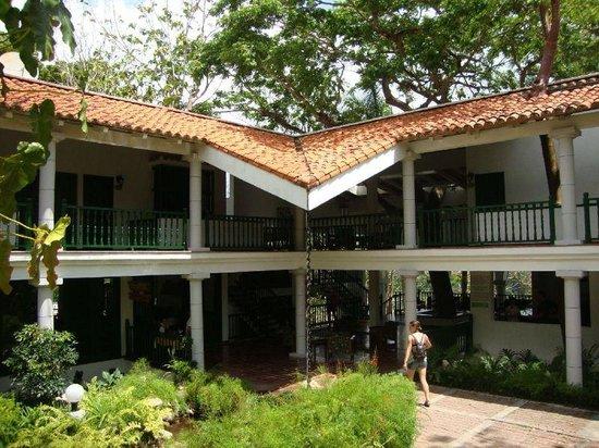 Moka Hotel: Hotel entrance