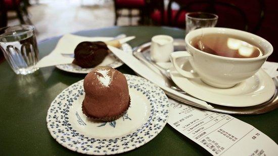 L. Heiner K.u.K. Hofzuckerbäcker: desserts and tea