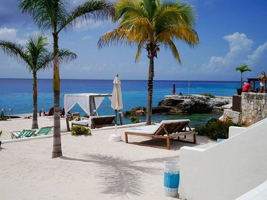 Hotel B Cozumel: View of property