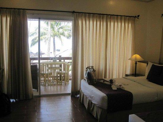Sur Beach Resort: Beach front room