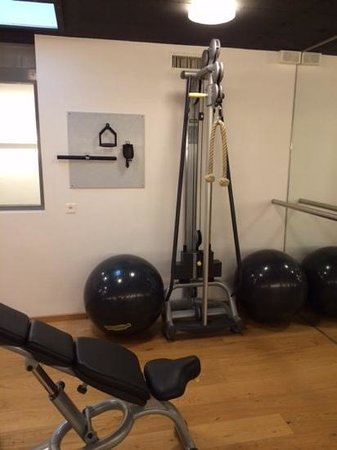 Radisson Blu Hotel, Basel : Weights