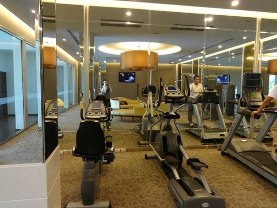 Mandarin Hotel Managed by Centre Point: fitness room