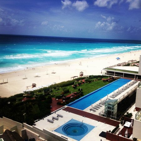 ME Cancun: Our view from the room