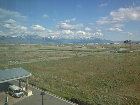 Hyatt Place Salt Lake City Airport: Beautiful mountain view from the window of room 504