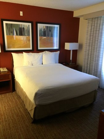 Residence Inn Austin Round Rock: Really comfy bed