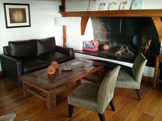 La Barraca Suites: Living