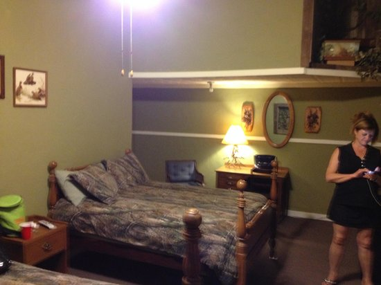 Back Door Inn: The Hunters Cabin