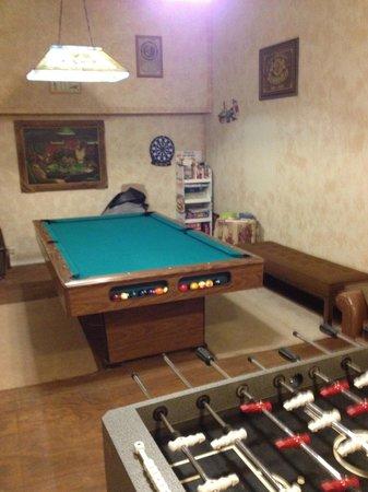 Back Door Inn: game room