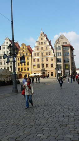 Best City Tours: Beautiful historic Wroclaw