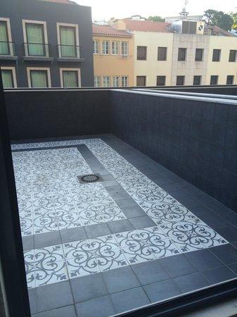 Fontecruz Lisboa Autograph Collection : the 'terrace' big but with no furniture