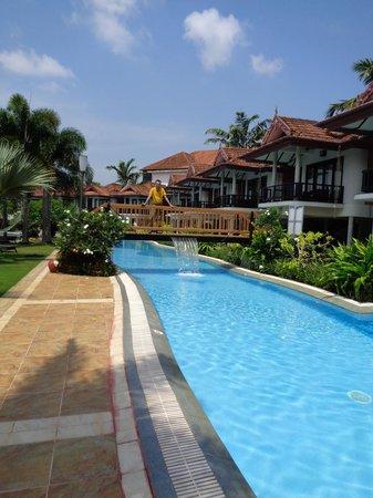 Ramada Resort Cochin : On a sunny day