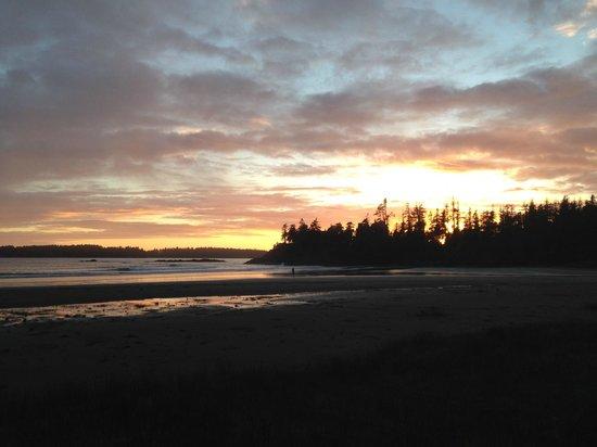 Bella Pacifica: Beautiful MacKenzie Beach sunset