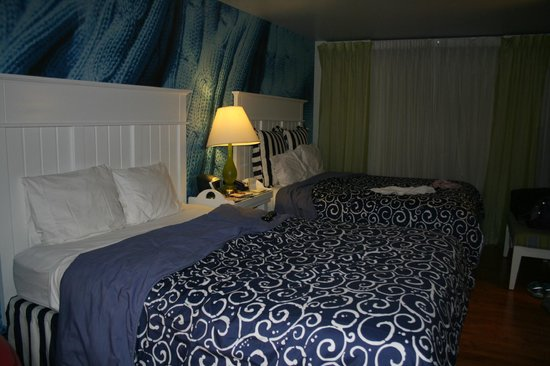Beds picture of hotel indigo chicago downtown gold coast for Boutique hotels gold coast chicago
