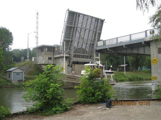 Port Dover Harbour Museum: the elevated bridge