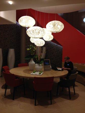 Mercure Paris Montmartre Sacre Coeur: Lobby