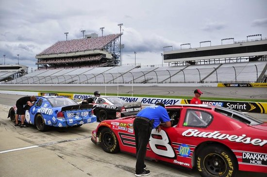 Rusty Wallace Racing Experience: View from the pits