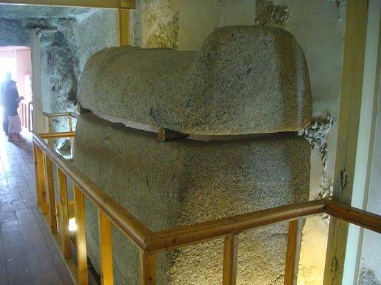 Valley of the Nobles: Amenemipet Tomb TT148 - Dra Abu El Naga