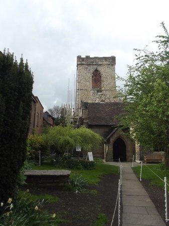 Holy Trinity Church : The entrance