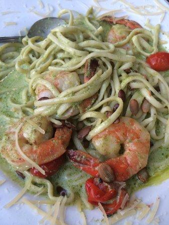 Lahaina Coolers: pesto pasta