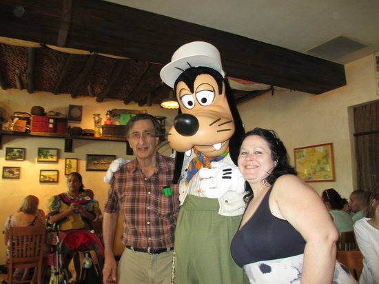 Tusker House Restaurant: With goofy