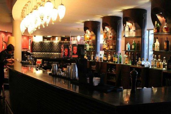 Tribe Hotel : Bar