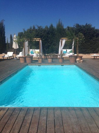Can Aisha : The pool that greats you when you enter the grounds