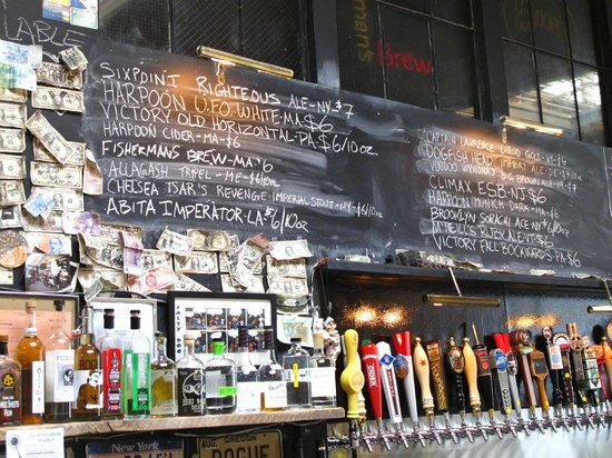 Urban Oyster Tours : Beers on tap at Barcade
