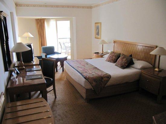 Steigenberger Nile Palace Luxor : Large Bedroom - Room 416