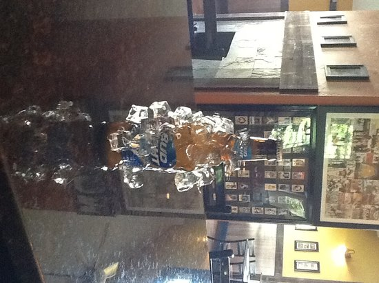 Rustic River Restaurant: Cold Beer