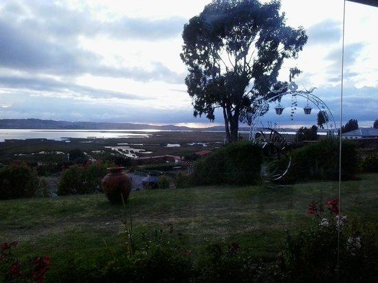 Taypikala Lago: Vista desde el comedor