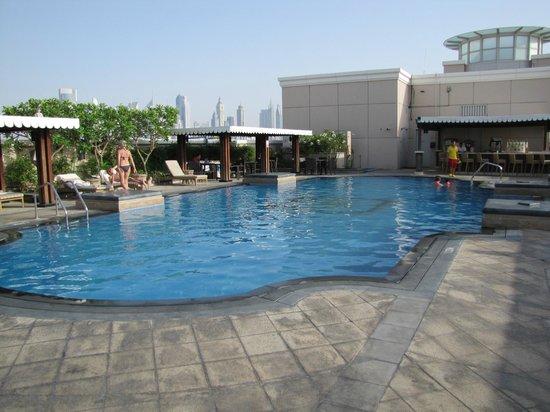 Ramada Jumeirah: Poolbereich