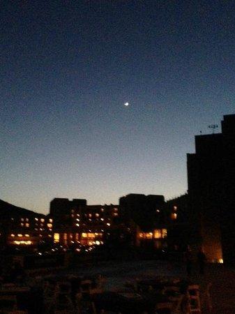 JW Marriott Tucson Starr Pass Resort & Spa: Night falls over Starr Pass