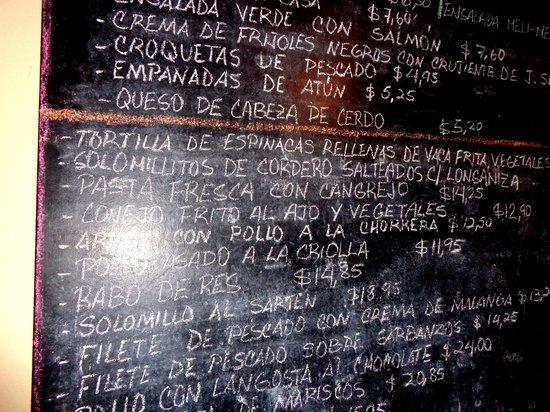 Ivan Chef Justo: Chalkboard with menu / Pizarra con menú