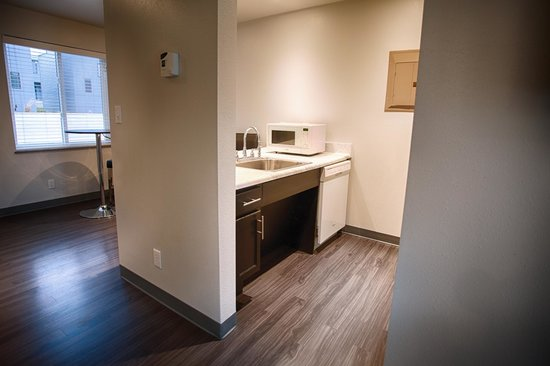 Z Loft Extended Stay Hotel: King Handicap Accessible Kitchen