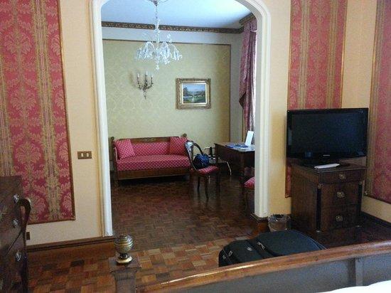 Due Torri Hotel: il salotto dellla suite