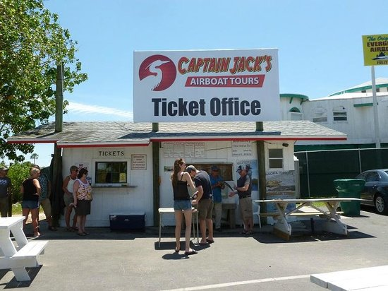 Captain Jack's Airboat Tours : Ticket Office
