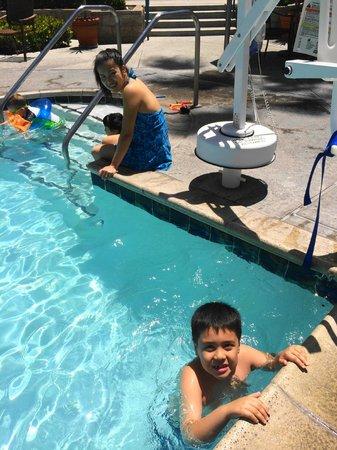 Costa Mesa Marriott: pool