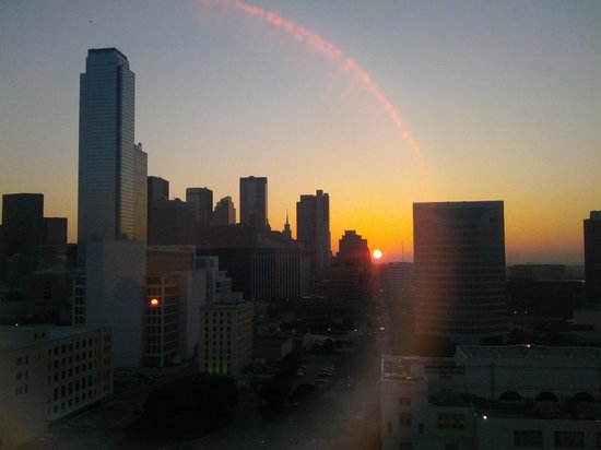 Hyatt Regency Dallas: Dallas Sunrise