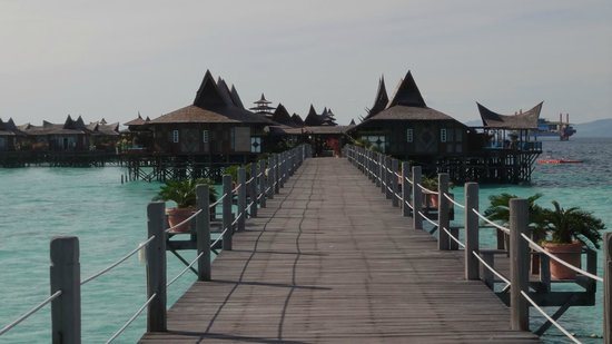 Mabul Water Bungalows: Rooms on the causeway may be noisy