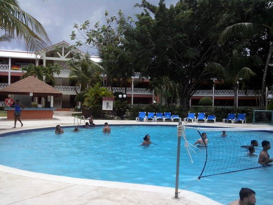 BelleVue Dominican Bay: Piscina