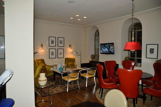 Bay Club Haifa Hotel - an Atlas Boutique Hotel : Aufenthalts- und Frühstücksraum