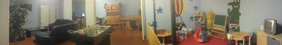 City Hostel Geneva : Basement communal area