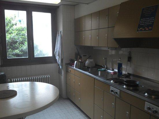 City Hostel Geneva: 1st floor kitchen