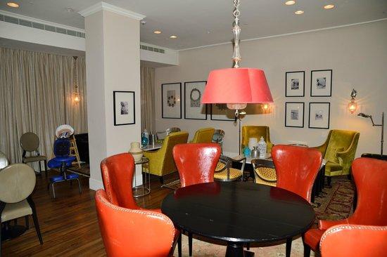 Bay Club Haifa Hotel - an Atlas Boutique Hotel: Aufenthalts- und Frühstücksraum