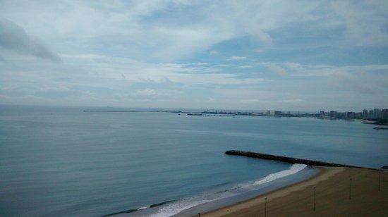 Holiday Inn Fortaleza : vista do quarto do hotel.